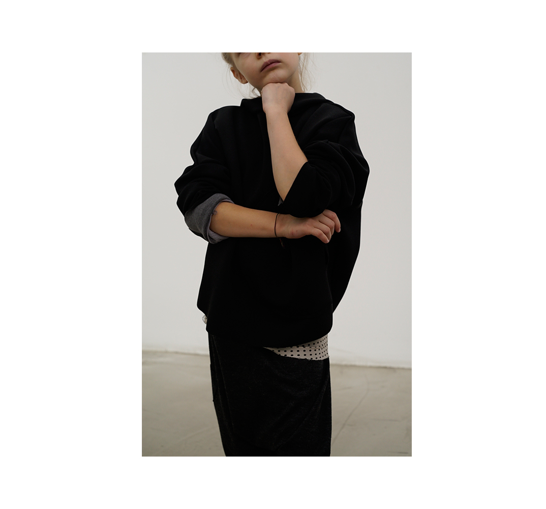 Me in Wien Winterkollektion 2017 Pullover in schwarz